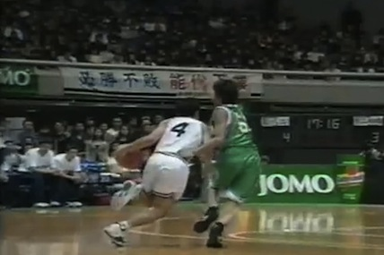 【衝撃バスケ動画】一人だけ異次元!元NBA田臥勇太選手の高校時代が天才すぎる